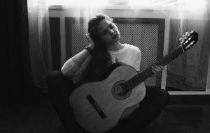 girl-guitar-photo-people-157642 girl guitar dream